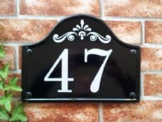 Medium Bridge Top Reflective House Sign – 290mm x 220mm; 11.4 inches x 8.7 inches